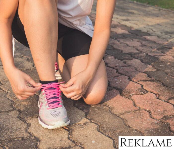 Hold formen ved lige med en klapvogn til løb