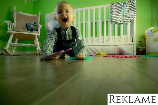 6 hyggelige aktiviteter du kan lave med dit barn – inde og ude